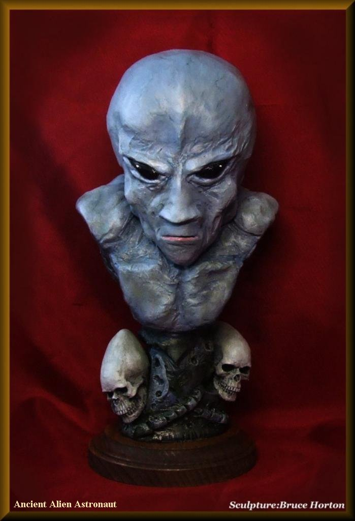 Alien-bust-2.jpg
